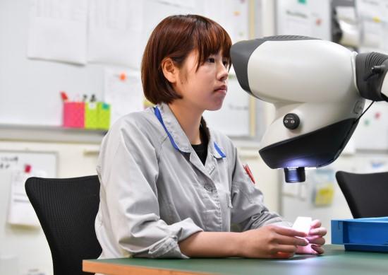 マンティス顕微鏡による外観検査